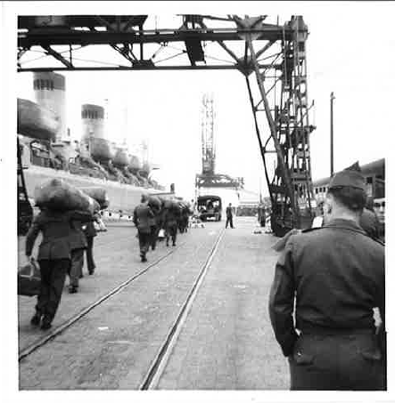 Troops disembarking from the USS Upshur